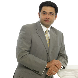 Dr. Fariborz Lalezarzadeh